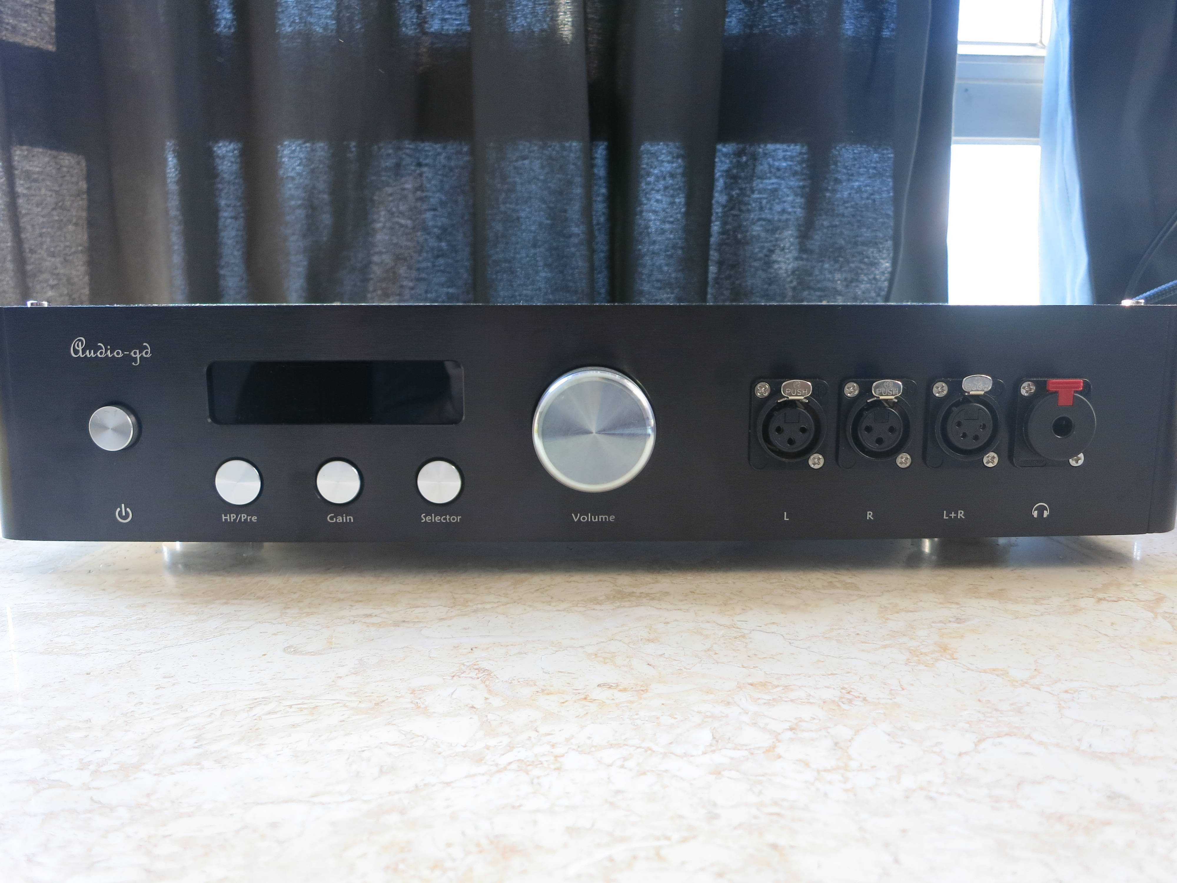 Master 9 front